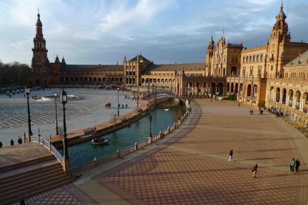 Jeffrey Bale' World Of Gardens Plaza De Espa Sevilla