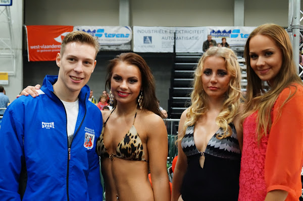 Savannah Prez en Anastasya Chernook, boksgala Zwevezele 11 november 2013