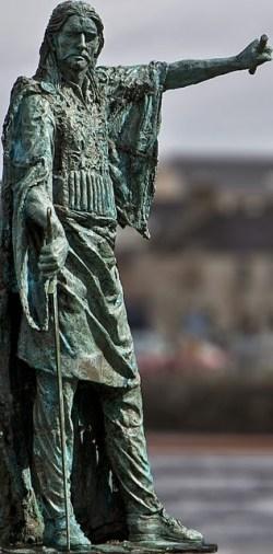 Estatua de Red Hugh O'Donnell realizada por Maurice Harron