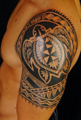 Hawaiian Shoulder Tattoos For Guys