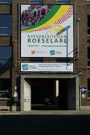 Affiche natourcriterium aan VTI Roeselare Leenstraat