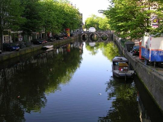 Varkensluis over the Oudezijdsvoorburgwal