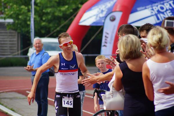 Kenneth Vandendriessche wint - 1/8e triatlon Roeselare - 1 juni 2014