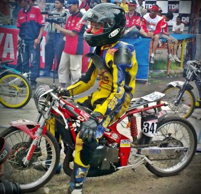 Motor Drag Race Balap Drag Liar Gambar Motor Drag GMC