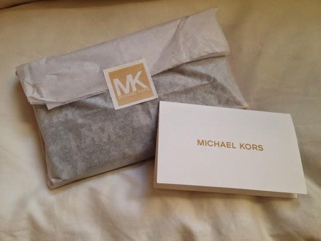 Mier's Blogger: [開箱] Michael Kors 黑色手機中夾包/皮夾