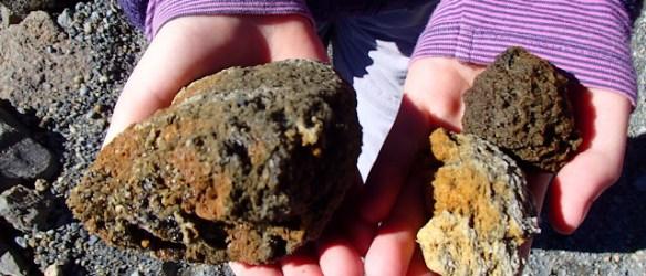 Elke steen een andere kleur; en er zit ook nog rijp op zo koud is het op 3500 meter hoogte