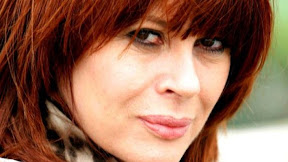 Chrissy Amphlett is wearing my fringe!