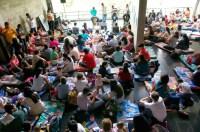 os pequeños disfrutaron de los sonidos de Venezuela en la comodidad de los brazos de sus padres, ubicados en los espacios abiertos del Centro Nacional de Acción Social por la Música (Cnaspm)