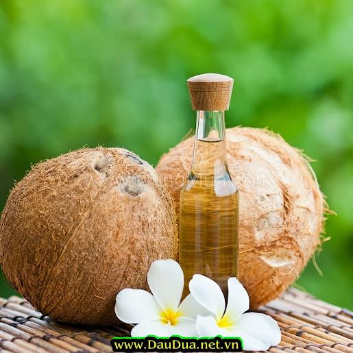 Ngoài nhỏ tinh dầu dừa vào mũi bạn có thể súc miệng bằng tinh dầu dừa chống lại nhiều bệnh
