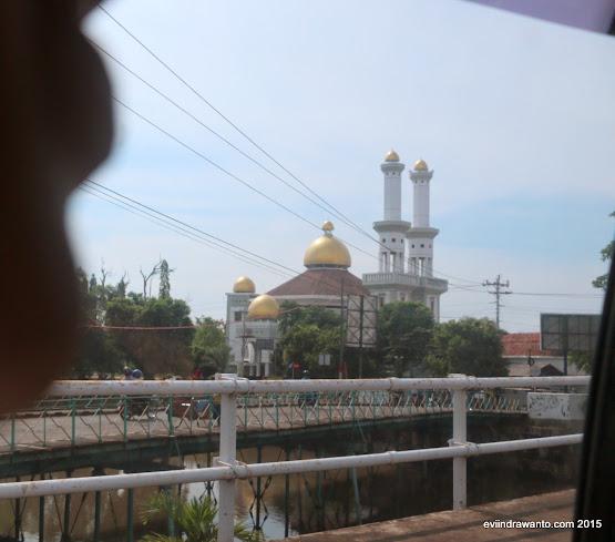 Masjid Kuning di Pekalongan