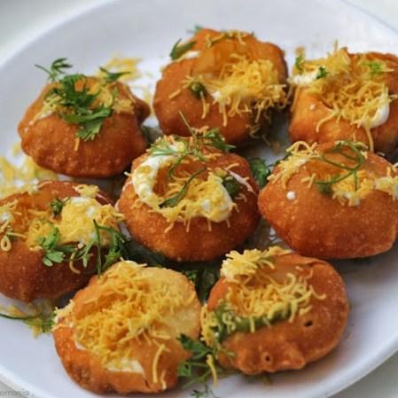Dahi Puri recipe by foodomania.com