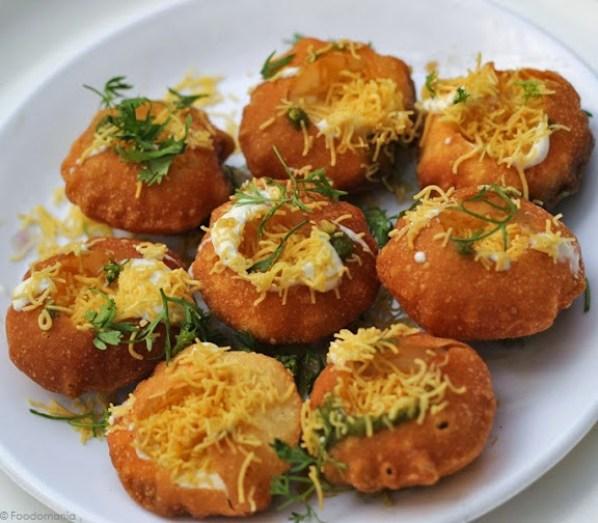 Dahi Puri Recipe   How to make Bombay Chaat Dahi Sev Batata Poori   Delicious recipe by Kavitha Ramaswamy from Foodomania.com