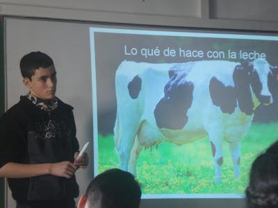 LAdam Giménez presentant el seu treball