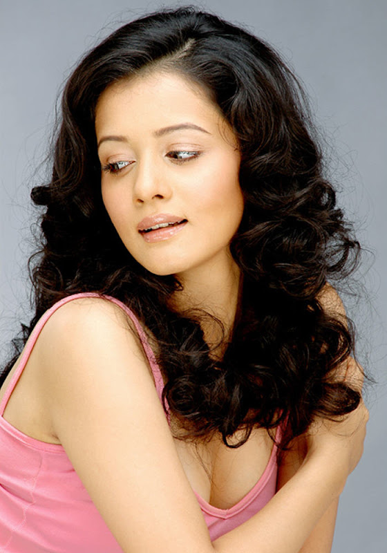 Sulagna  Bollywood, Tamil Actress