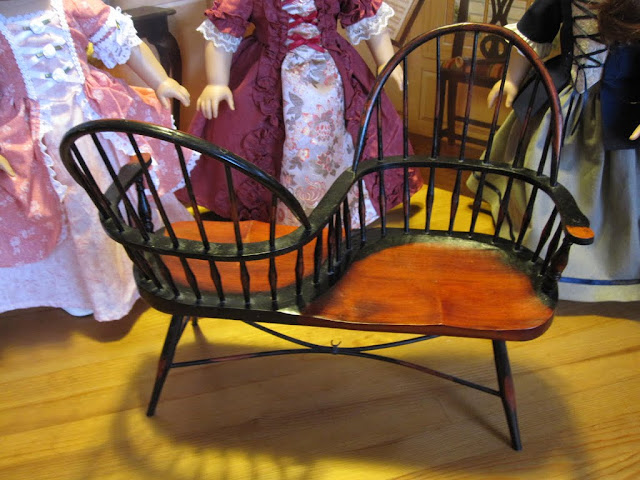 The Miniature Historian TteTte or Courting Chairs