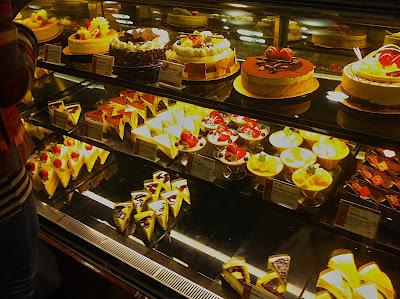 Voyagers: 85度C (Bakery Cafe) 咖啡蛋糕 - Irvine