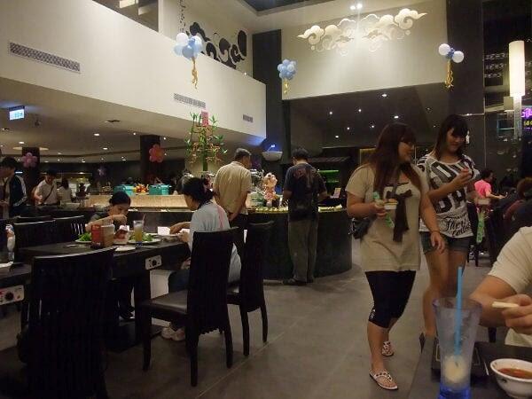 美食紀錄: 20100712千葉火鍋林口尊爵館