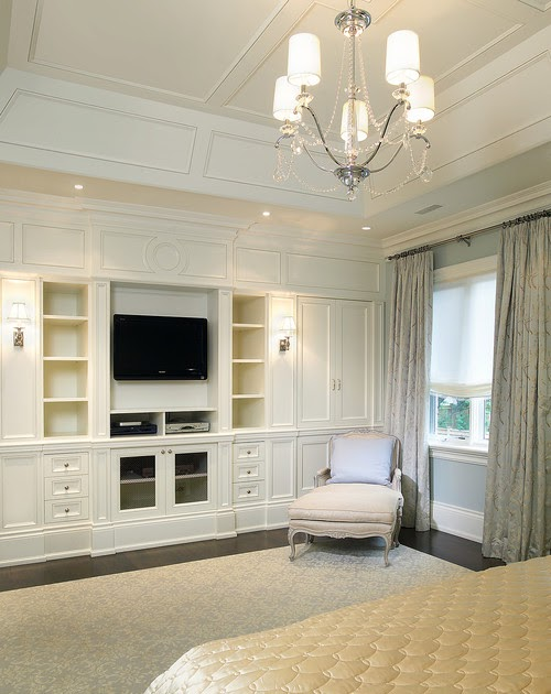 The Peak Of Trs Chic Built Ins In The Bedroom