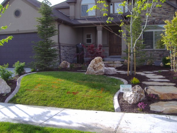 modern small front yard landscape