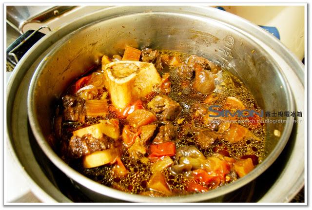 【食譜】[中式]【電鍋料理】電鍋燉牛肉+牛筋 ~ 電冰箱的灶腳手作DIY教室