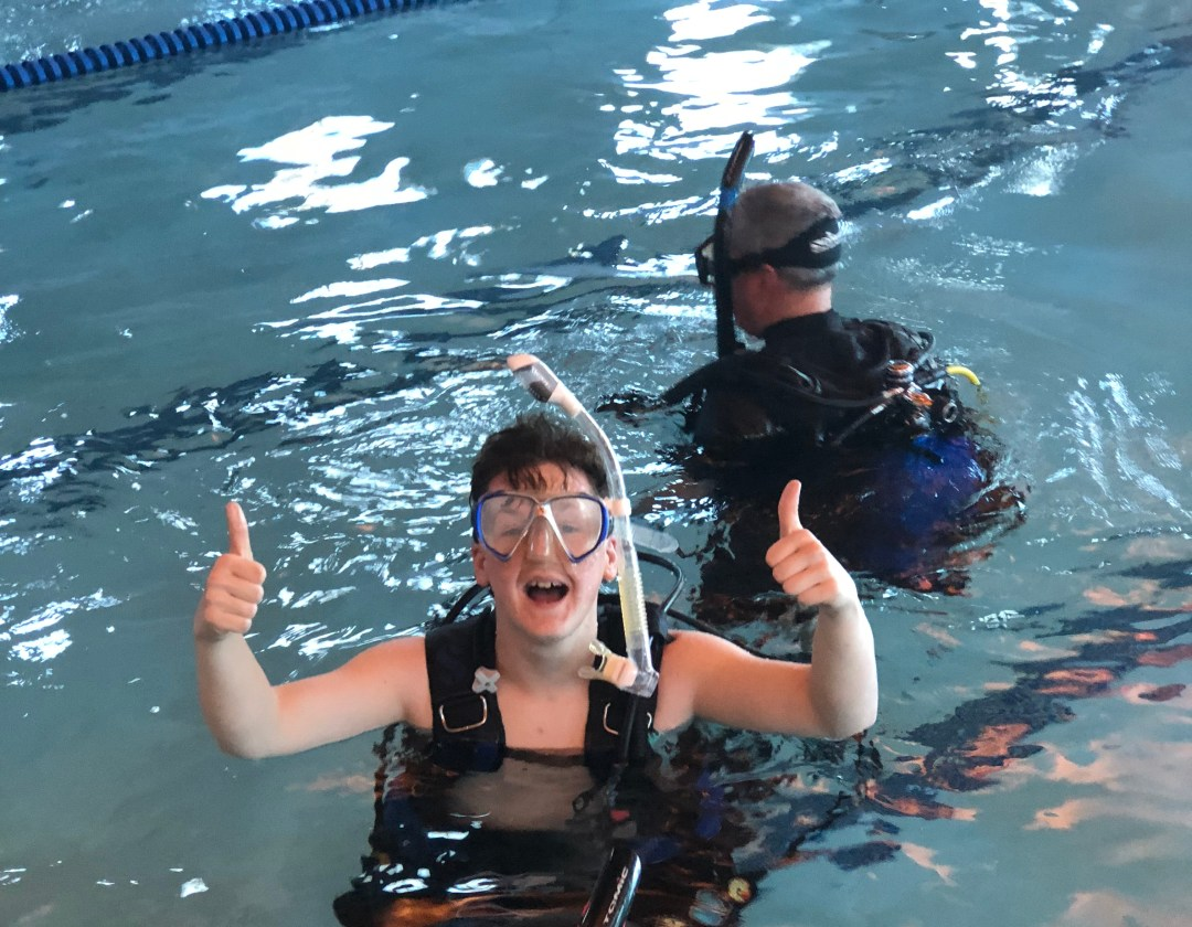 SWKIA - Scuba Diving - Thumbs Up