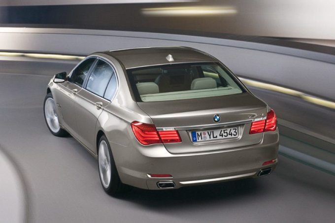 BMW серия 7 (F01) Обръщане на волан miracar.bg