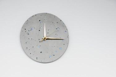reloj pared claro terrazzo gris