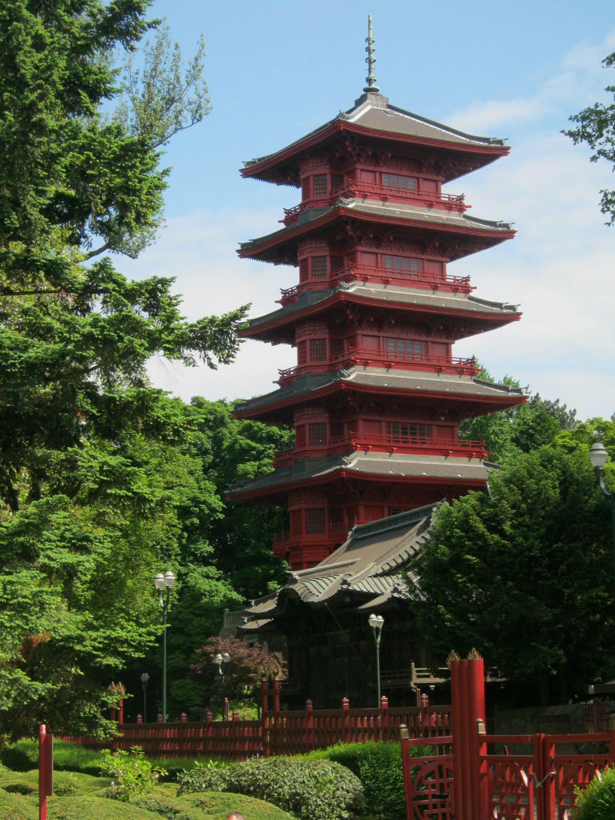 Japanese Pagoda  Lia in Brussels