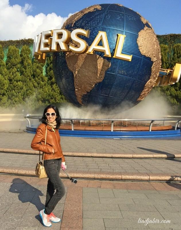 Bola dunia Universal Studio Jepang