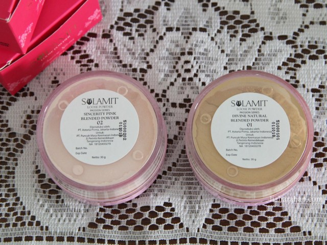 sulamit-cosmetics-loose-powder-two-shades