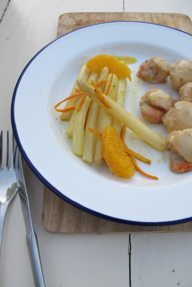 鍋煎白蘆筍佐甜橙醬汁