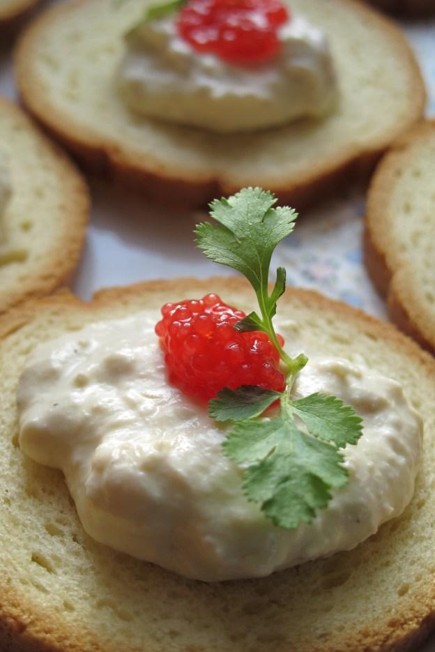 法國人餐桌記錄- 2015年第ㄧ天我家的餐桌 A table-鮪魚抹醬佐紅圓鰭魚卵