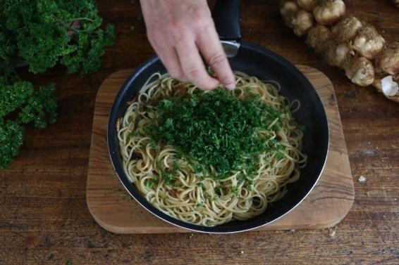 香蒜巴西里義大利麵