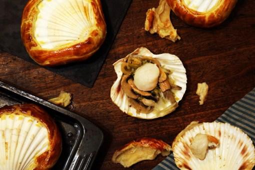 Noix de Saint-Jacques et fondue de poireaux en coquilles lutees-6