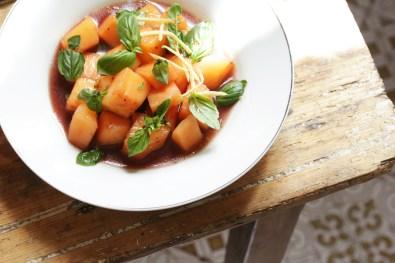 哈密瓜甜白酒薑絲與菜園裡的香草-1