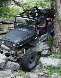 Yj wrangler navigating over rocks also automatic vs manual transmission jeep wranglers extremeterrain rh