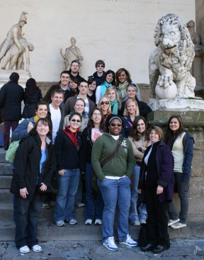 Students with Florence Italy statue