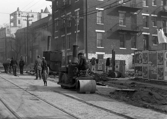 Steamroller going uphill