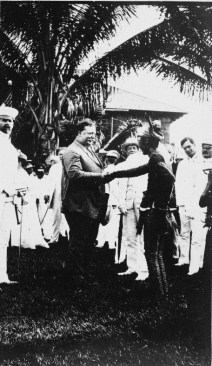 Secretary Taft shaking hands with a Moro Chieftan.
