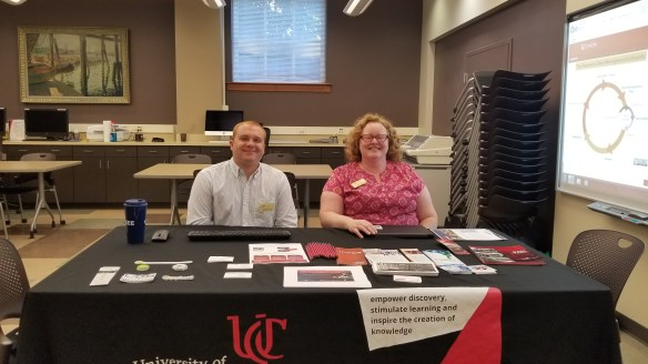 Richard Johansen  and Rebecca Olson sitting at a tablefrom UCL RDS at CECH library for office hours.