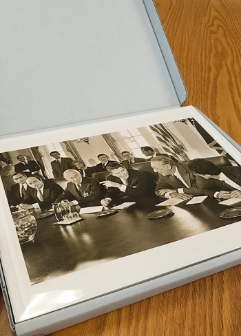A photograph of President Reagan and Benjamin Gettler at the White House