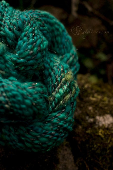 handspun yarn by libellune.com