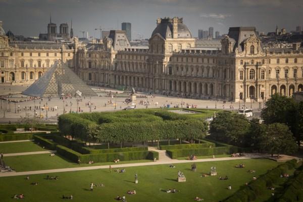 Palais Royal Musee Du Louvre Paris