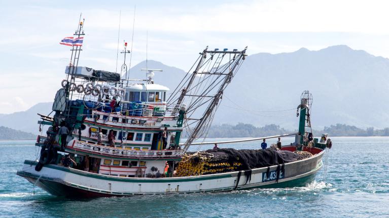 Travail décent pour les travailleurs migrants employés dans le secteur de la pêche et des produits de la mer dans la région Asie-Pacifique