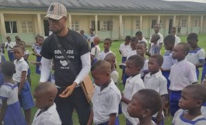 ​Good Joe Foundation Tours Delta Communities, Distributes Clothes, Notebooks, Pens, Bags, Other Items