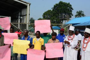 BREAKING: OML 30 Trans Forcados Pipeline Surveillance Workers Protest, Gives Heritage 7 Days Ultimatum In Delta