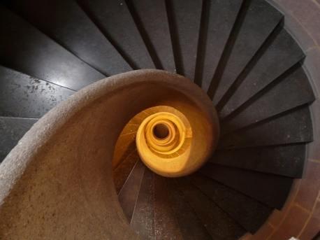 Escalier en colimaçon : impression de régression