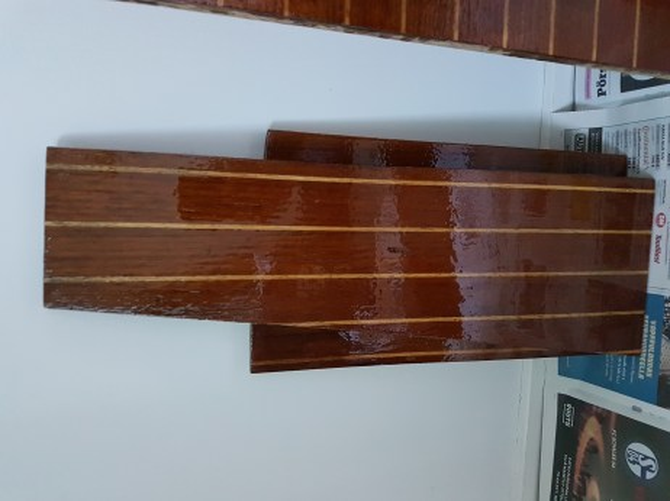 Varnishing the floorboards gave a wonderful result!