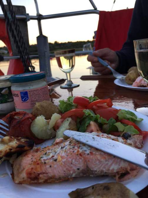 The salmon barbequed on the beach wasn't too bad in the beautiful summer night...