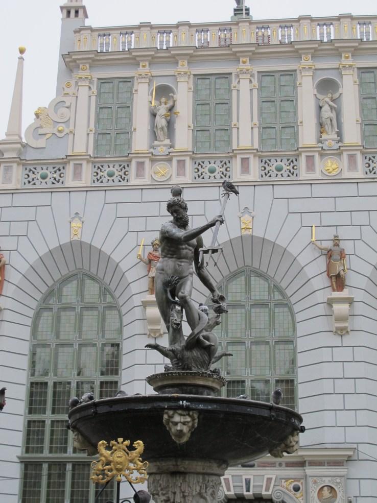 Kaupungin maamerkki Neptunus.